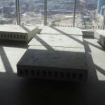 ניסור בטון בבניין משרדים תוך הקפדה על מינימום לכלוך ואבק.