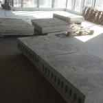חיתוך מדוייק של קוביות בטון תוך הקפדה על כללי בטיחות ומניעה ככל האפשר של לכלוך.